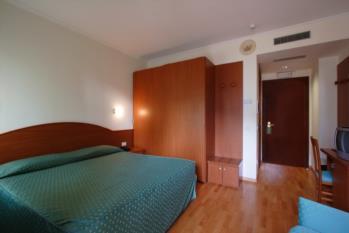 camera matrimoniale con terrazzo hotel gardel