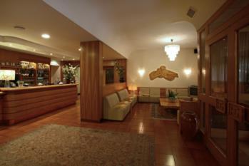 hall hotel gardel